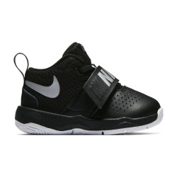 Nike Boys Team Hustle D 8 (TD) Toddler Shoe